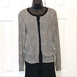 COVINGTON Houndstooth Button Up Cardigan